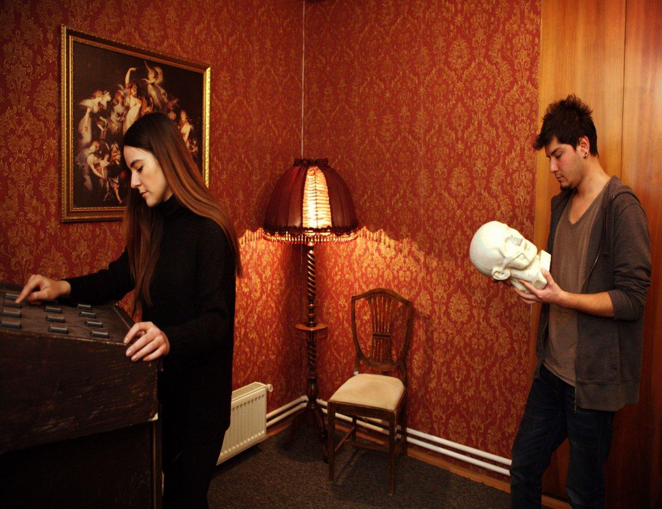 Locked In - Haunted House - Gerçek Evden ve Odadan Kaçış Oyunları