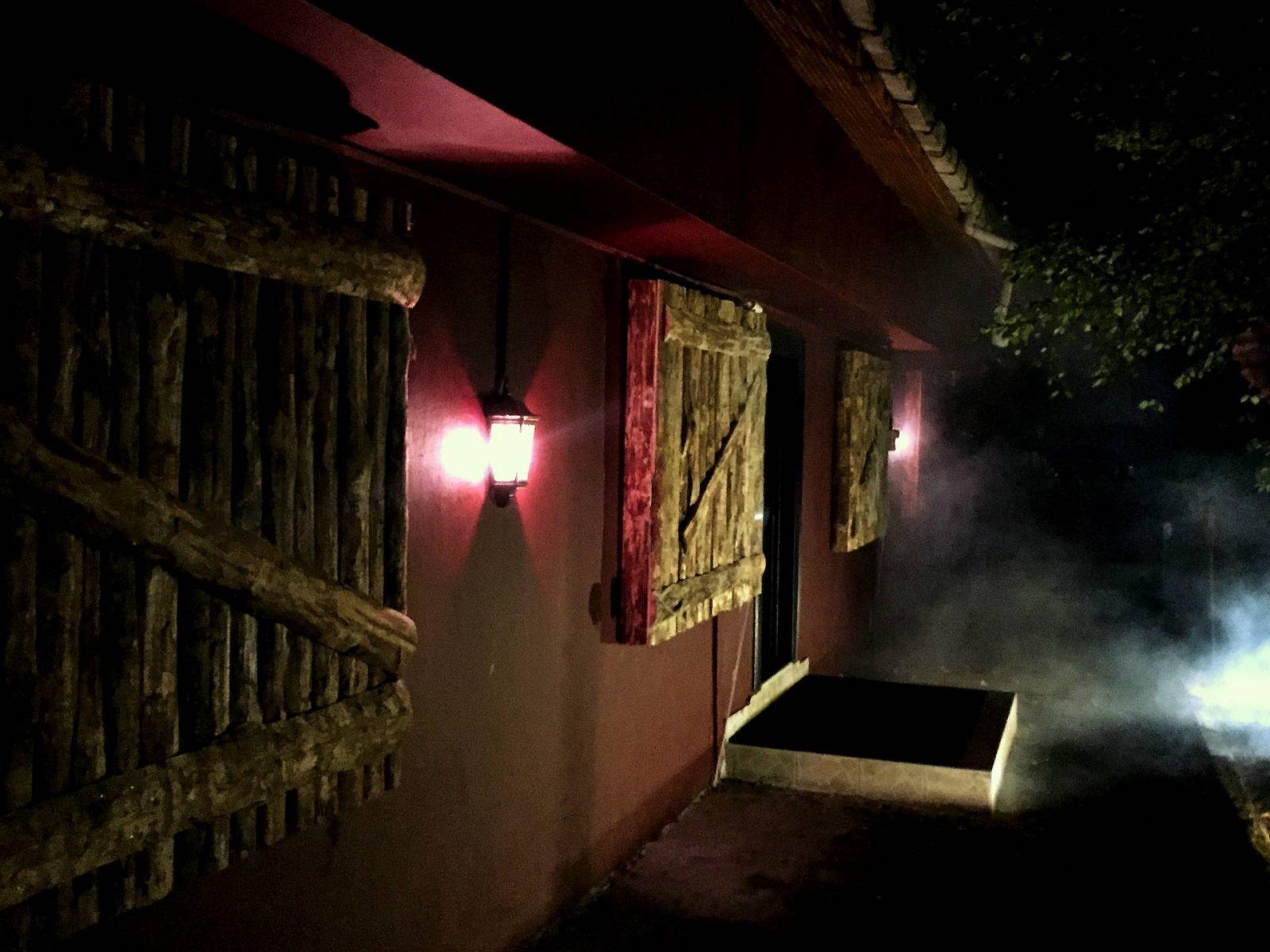 Exist - Freak Show Gerçek Evden ve Odadan Kaçış Oyunu